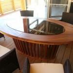 Стол из массива Тика. В центре каленое стекло 10 мм