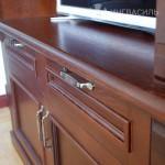 Шкаф в кабинете из массива дуба
