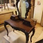 Будуарный столик из дуба